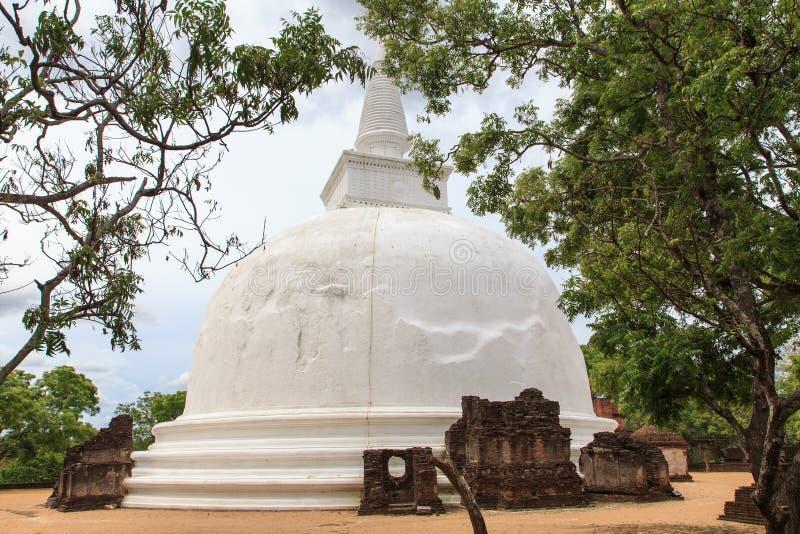 Dagaba Kiri Vihara - Polonnaruwa - Шри-Ланка стоковое изображение