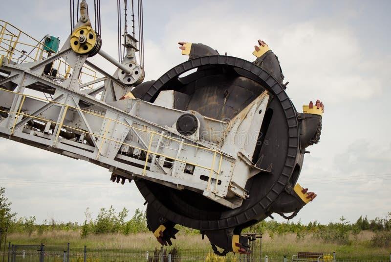 Dagbrotts- brun kolgruva Gr?vskopa SchRs-315 Extractive bransch arkivbild