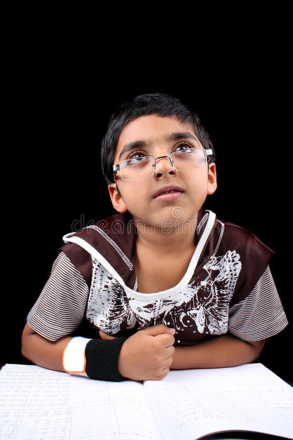 dagdrömma indier för pojke arkivfoton