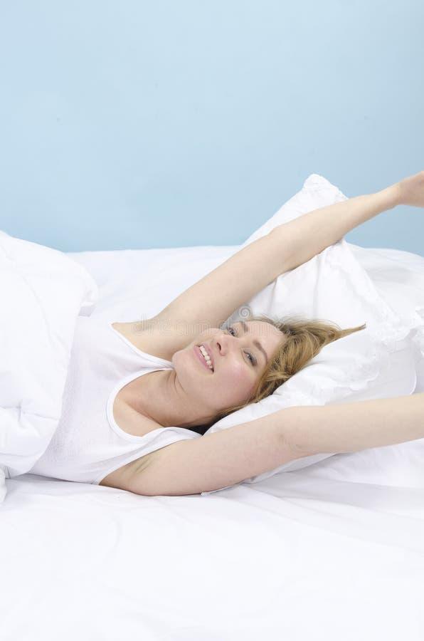 dagdrömma kvinna för underlag arkivfoton