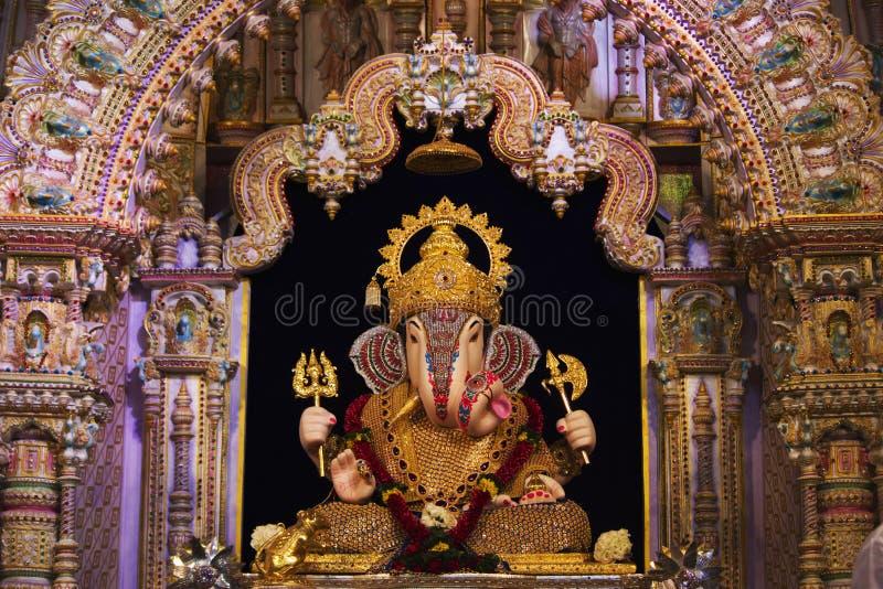 Dagdusheth Halwai Ganpati, Pune område, Maharashtra, Indien royaltyfria bilder