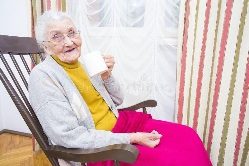 Dagelijkse pillen voor bejaarde mensen royalty-vrije stock afbeelding