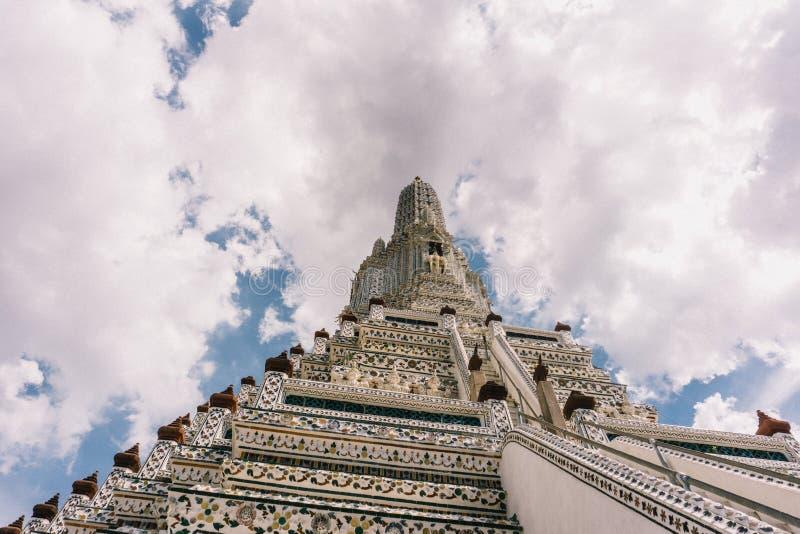 Dagen i bangkok, Thailand, Wat Arun Temple royaltyfri bild