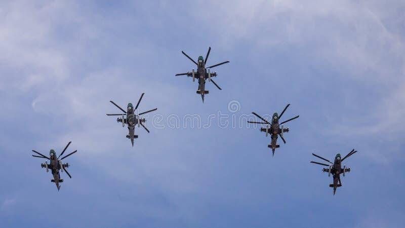 dagmoscow seger Helikoptrar Kamov Ka-52 arkivfoton