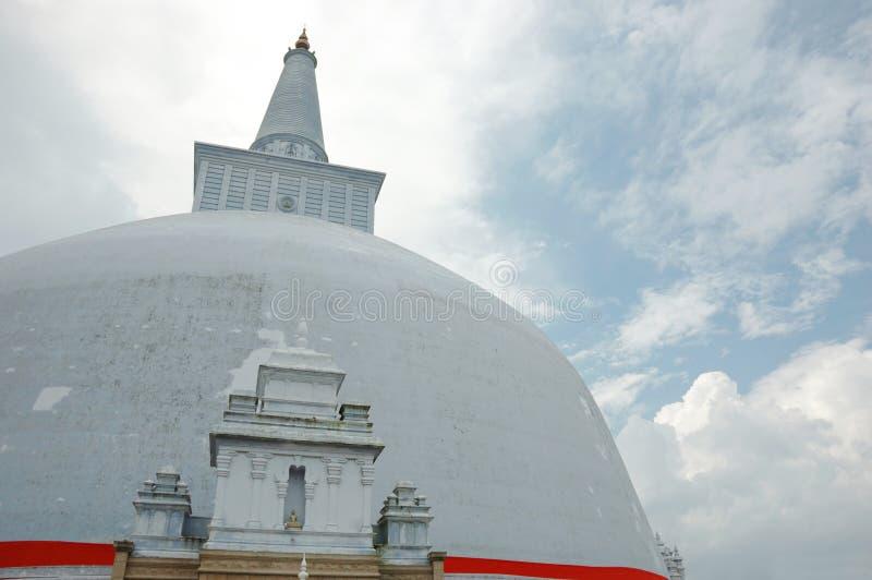Dagoba budista antiguo RUWANWELISAYA, Sri Lanka fotografía de archivo libre de regalías
