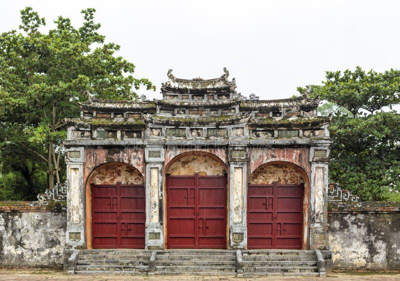 Dai Hong Mon Gate a Minh Mang Tomb - il Vietnam immagini stock libere da diritti