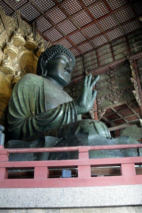 Daibutsu Buddhastaty i den Todaiji templet fotografering för bildbyråer