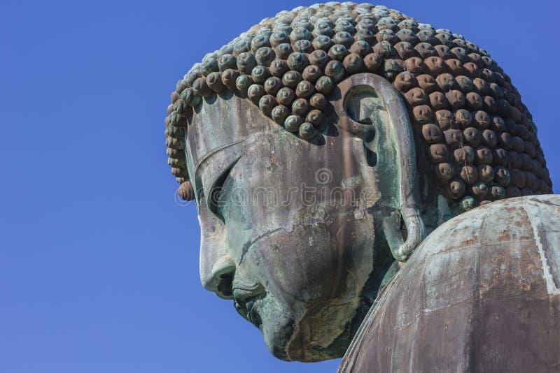 Daibutsu - den stora Buddha av den Kotokuin templet i Kamakura royaltyfria foton
