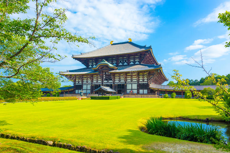 Daibutsuden grand Bouddha Hall Front Angled Lawn H photo stock