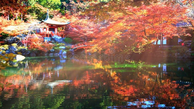 Daigo-jitempel mit bunten Ahornbäumen im Herbst, Kyoto, Japa stockfotos