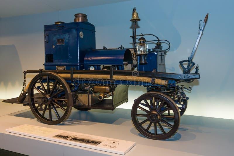 Daimler моторизовало насос пожаротушения (мотор-Feuerspritze) Daimler, 1892 стоковые изображения