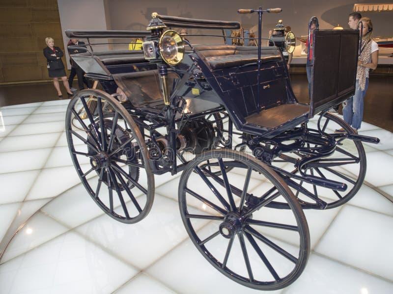 Daimler Motorcoach royaltyfria bilder