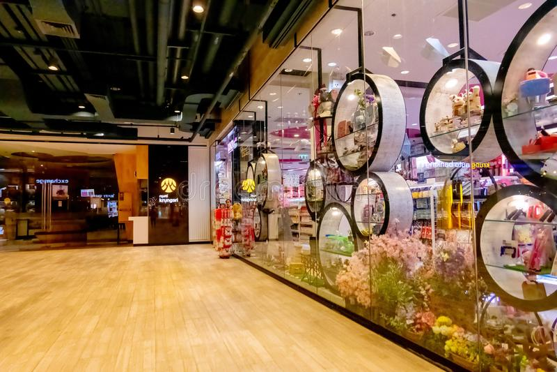 Daiso-Schaufenster an Blueport-Einkaufszentrum Hua Hin, Thailand am 1. März 2019 stockfoto