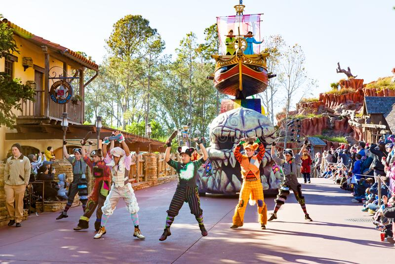 Daisy Duck participant au défilé de DisneyWorld photographie stock libre de droits