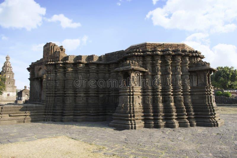 Daitya苏丹寺庙右边视图从洛纳尔,布尔达纳县,马哈拉施特拉,印度的 免版税库存照片