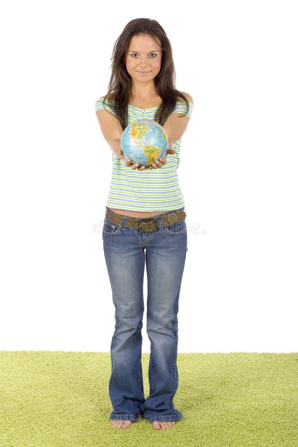 daj dywanowa globe stałego zielonych kobieta zdjęcie royalty free