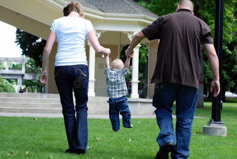 daj potrzymać poziomy rodziny fotografia stock