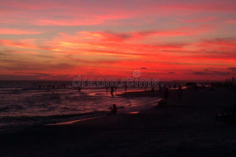 daj się narażenia na plaży wolnym miękkim sunset fala bardzo fotografia royalty free