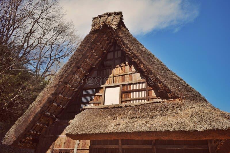Dak van een oude boerderij dichtbij Tokyo stock foto's