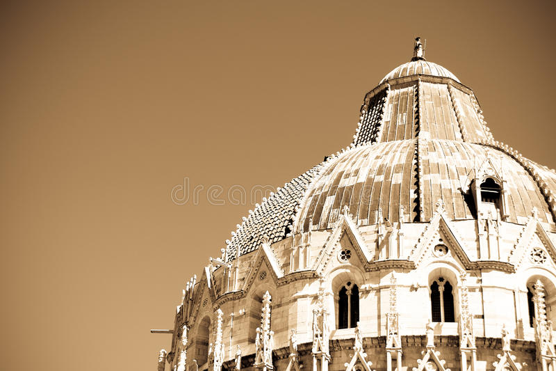 Dak van kerkbaptistery in Pisa royalty-vrije stock foto's