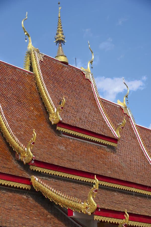 Dak van Wat Mani Phraison, Mae Sot, Tak-provincie, Thailand stock foto