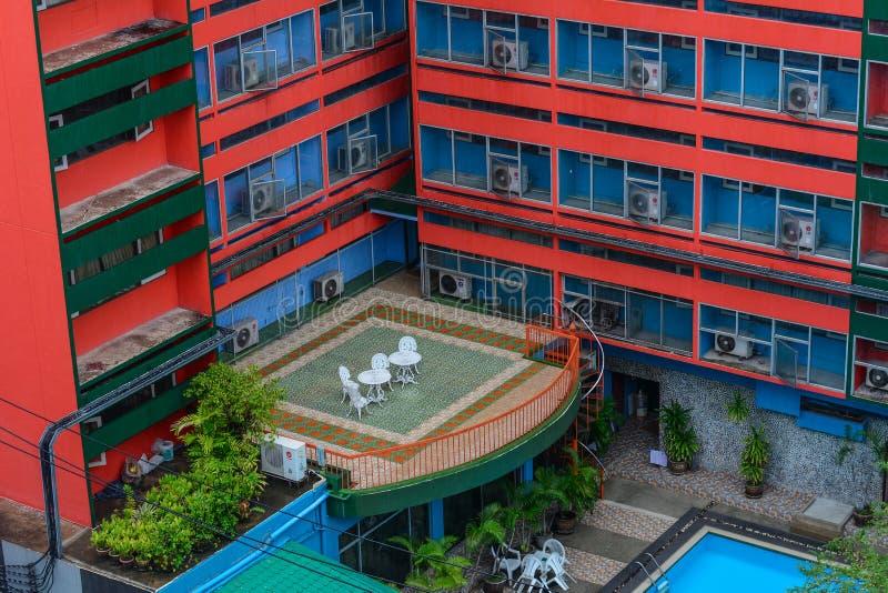 Dakbovenkant van een hotel in Bangkok, Thailand stock fotografie