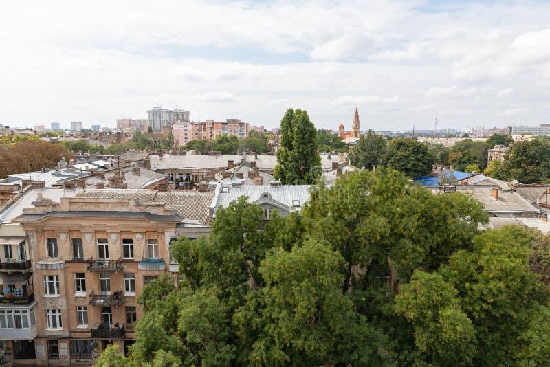 Daken en oude binnenplaatsen van Odessa stock fotografie
