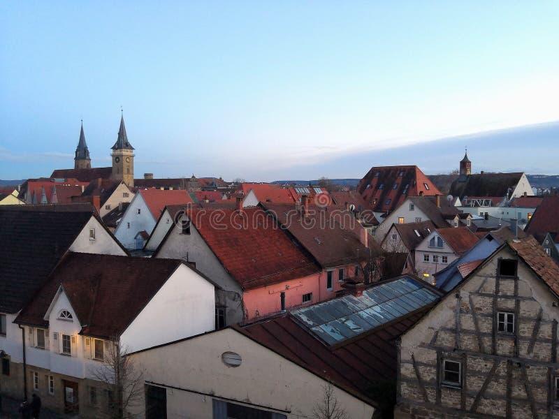 Daken van de avond Duitse stad royalty-vrije stock fotografie