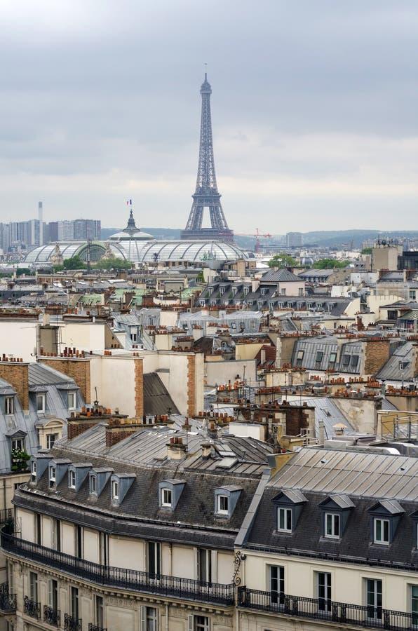 Daken van de Toren van Parijs en van Eiffel royalty-vrije stock foto