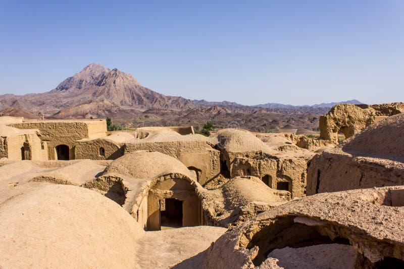 Daken van ruïnes van Kharanagh-Dorp, Iran stock afbeelding