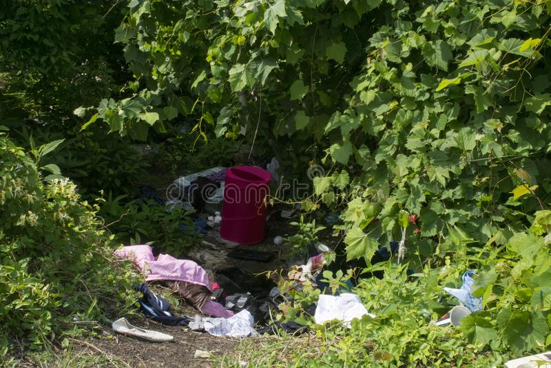 Dakloos kamp stock afbeeldingen