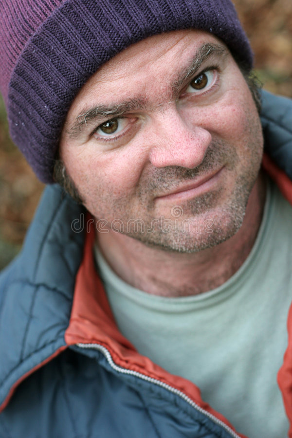 Dakloze Mens - het Portret van de Close-up stock afbeeldingen