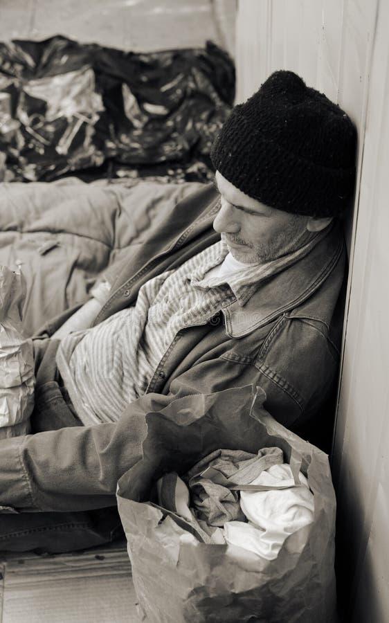 Dakloze Mens op de Straat royalty-vrije stock foto's