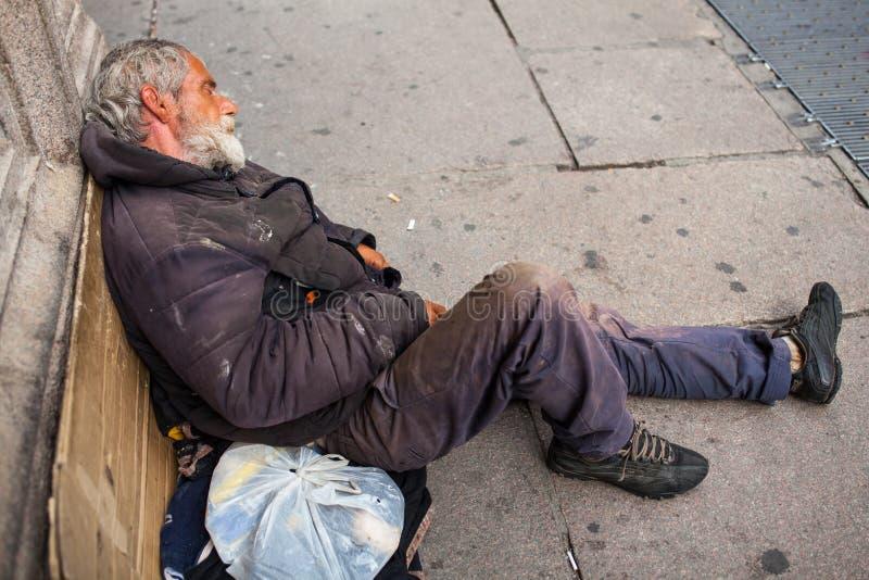 Dakloze slaap royalty-vrije stock foto's