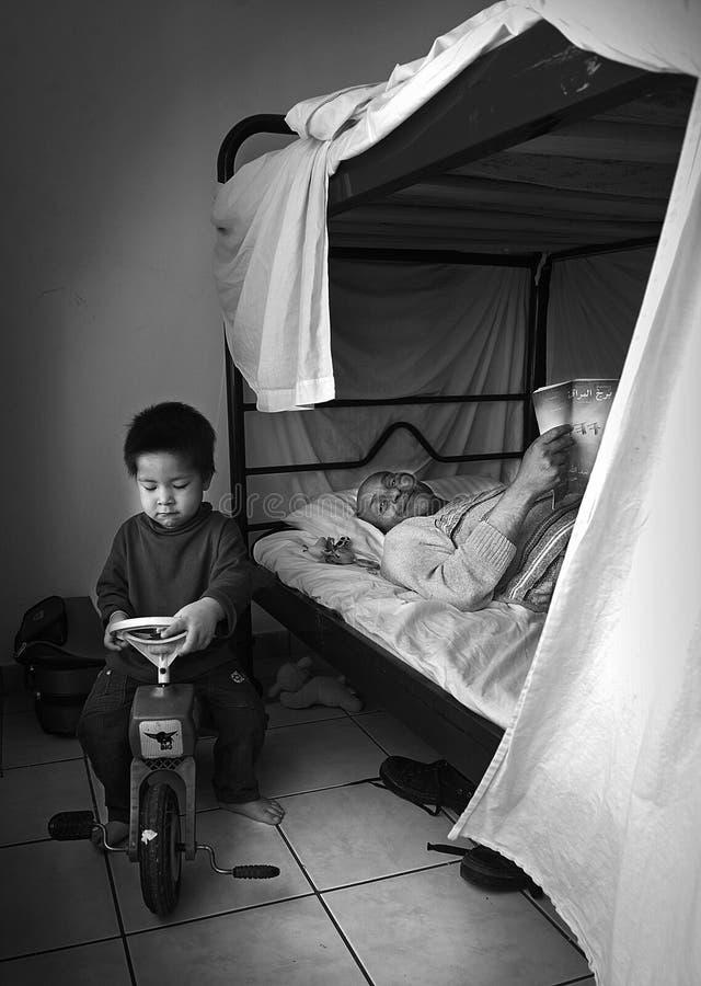 Dakloze vluchtelingen in Athene, Griekenland royalty-vrije stock afbeelding