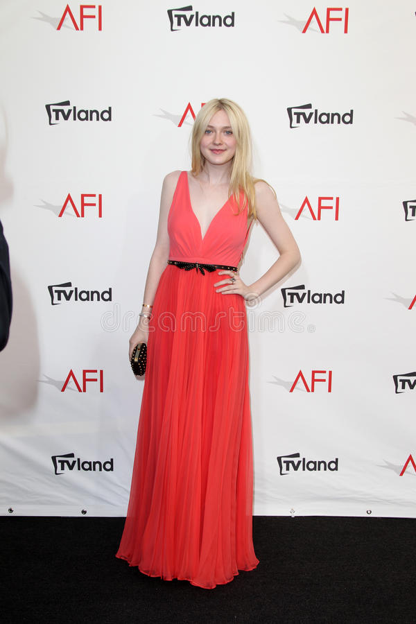 Download Dakota Fanning Arriving At The AFI Life Achievement Award Honoring Shirley MacLaine Editorial Image - Image: 25685910