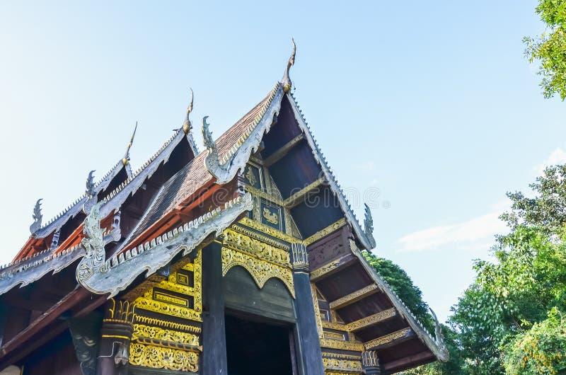 Dakstijl van Thaise tempel royalty-vrije stock foto