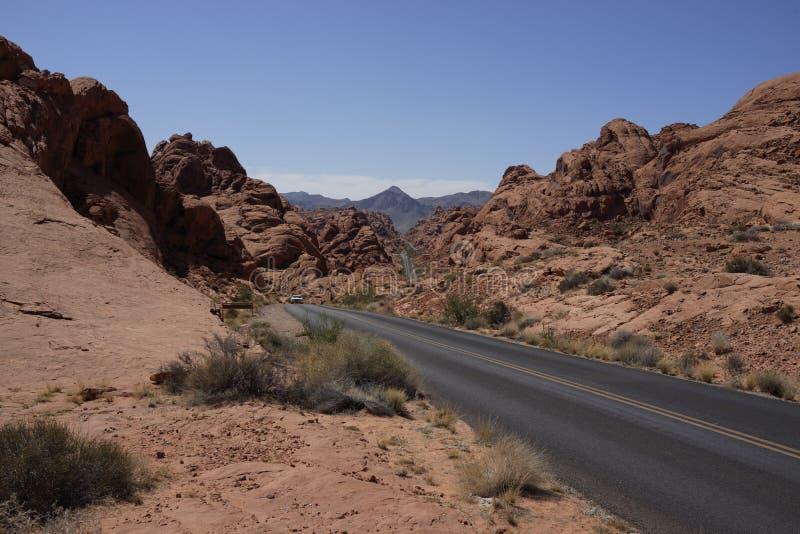 Dal av brandvägen (Nevada, USA) royaltyfri bild