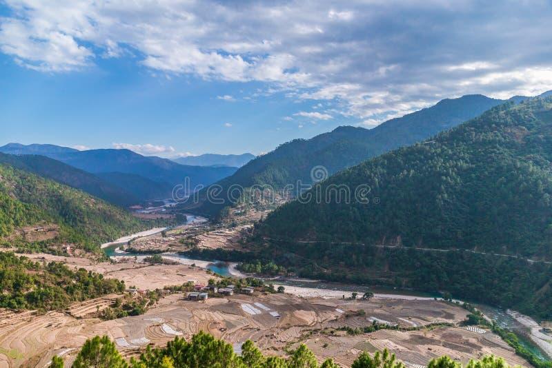 Dal i Bhutan nära Punakha under vintertid fotografering för bildbyråer