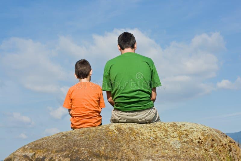 Dal padre al figlio - il concetto di grande colloquio immagine stock libera da diritti