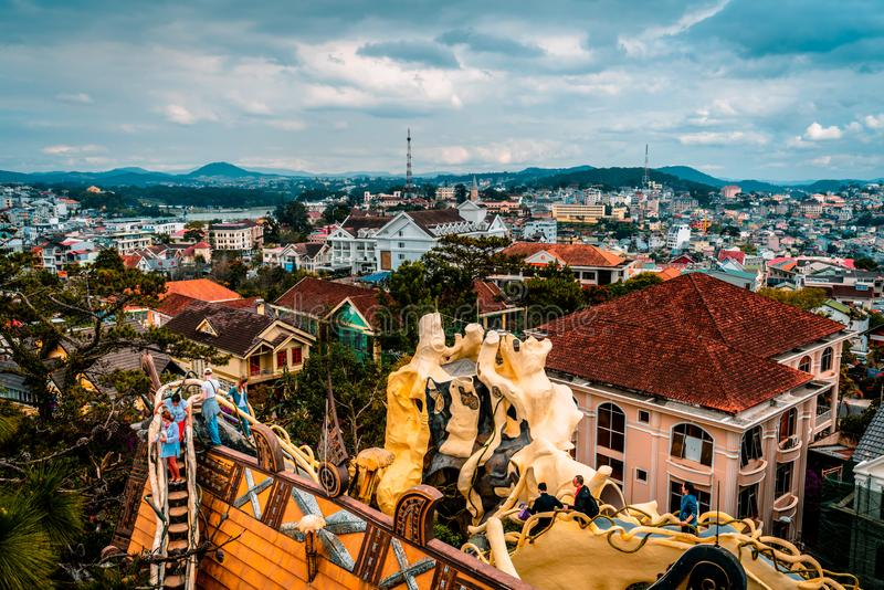 Dalat, Vietnam 23 de janeiro de 2019 Casa de hóspedes de Hang Nga, casa louca, em Dalat, Vietname fotos de stock