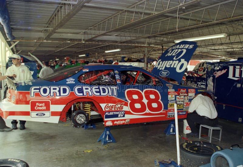 Dale Jarrett Quality Care Ford en garaje fotos de archivo