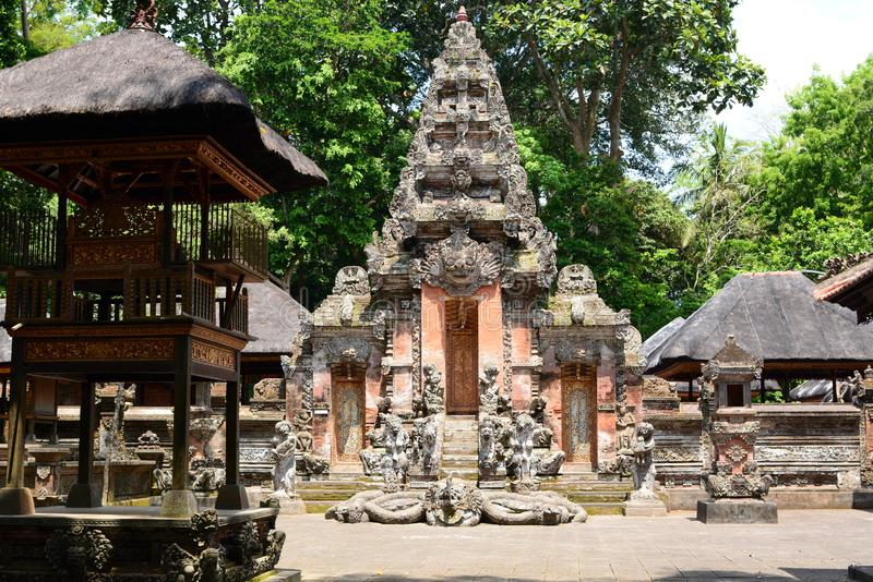 Dalem Agung Padangtegal tempel ApaskogPadangtegal by Ubud _ Indonesien royaltyfri fotografi
