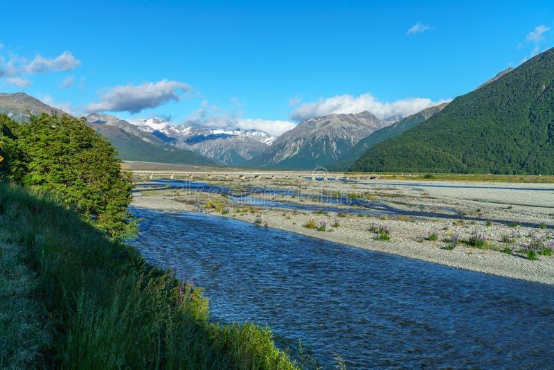 Dalen i bergen, arthurs passerar, Nya Zeeland 1 royaltyfri fotografi