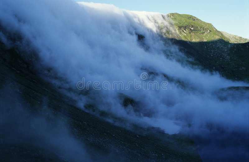 Dalende wolken stock afbeelding