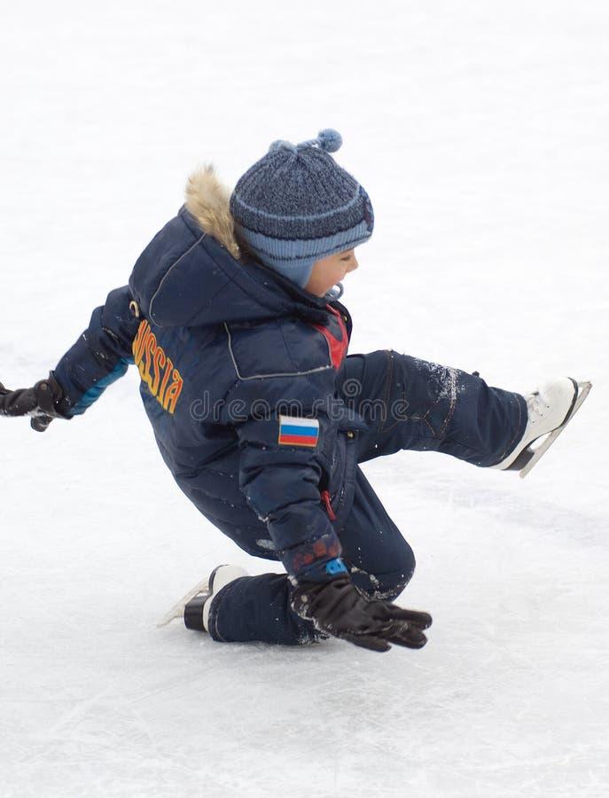 Daling neer op het ijs royalty-vrije stock afbeelding