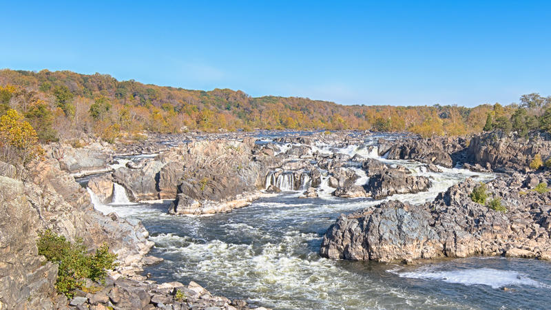 Dalingskleuren, Potomac Rivier, Riviersleep, het Nationale Park van Great Falls, VA royalty-vrije stock fotografie