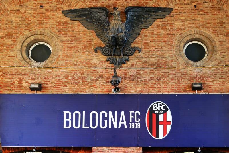 Dall 'Ara Stadium, Bolonha, Itália, logotipo e símbolo da águia na entrada fotografia de stock