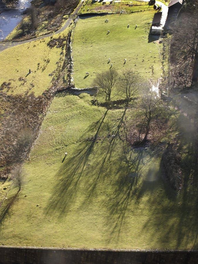 Dalla diga del bacino idrico di Claerwen, Elan Valley immagine stock