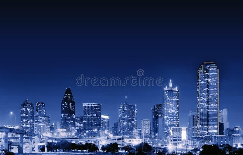 Dallas céntrica en la noche, Tejas, los E.E.U.U. imagen de archivo libre de regalías